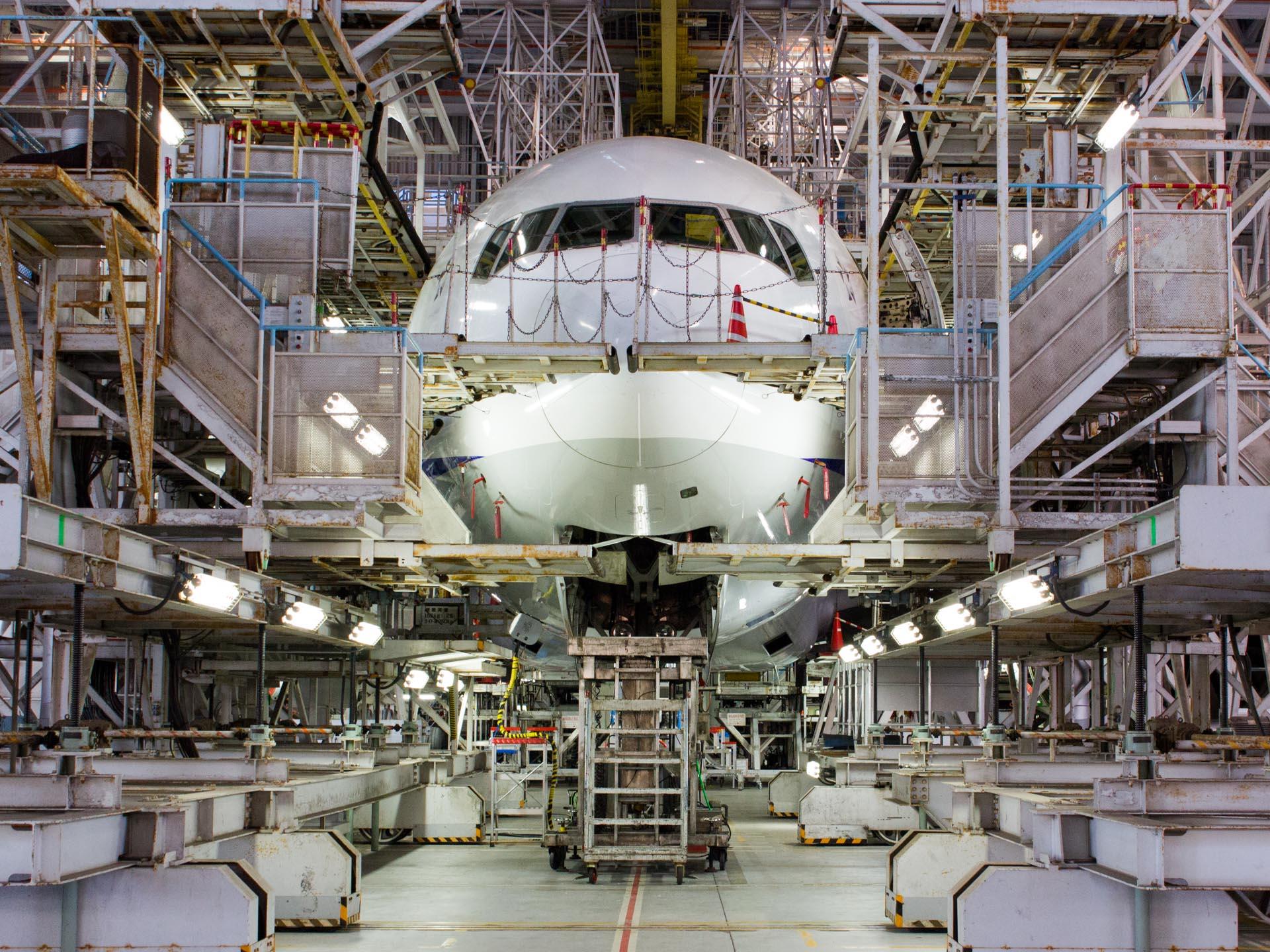 Boeing 777 Under Maintenance