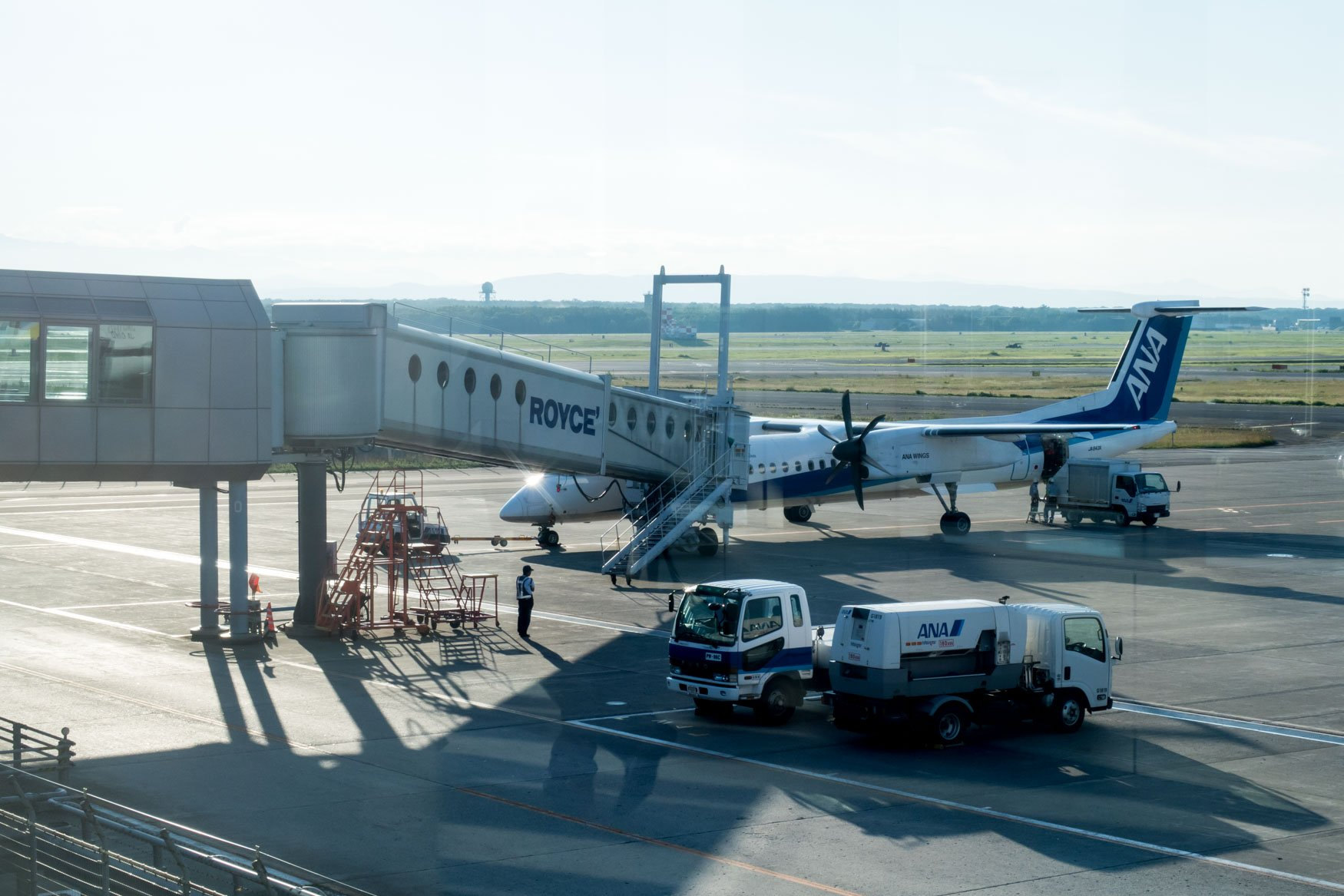ANA Wings Bombardier Dash 8 Q400