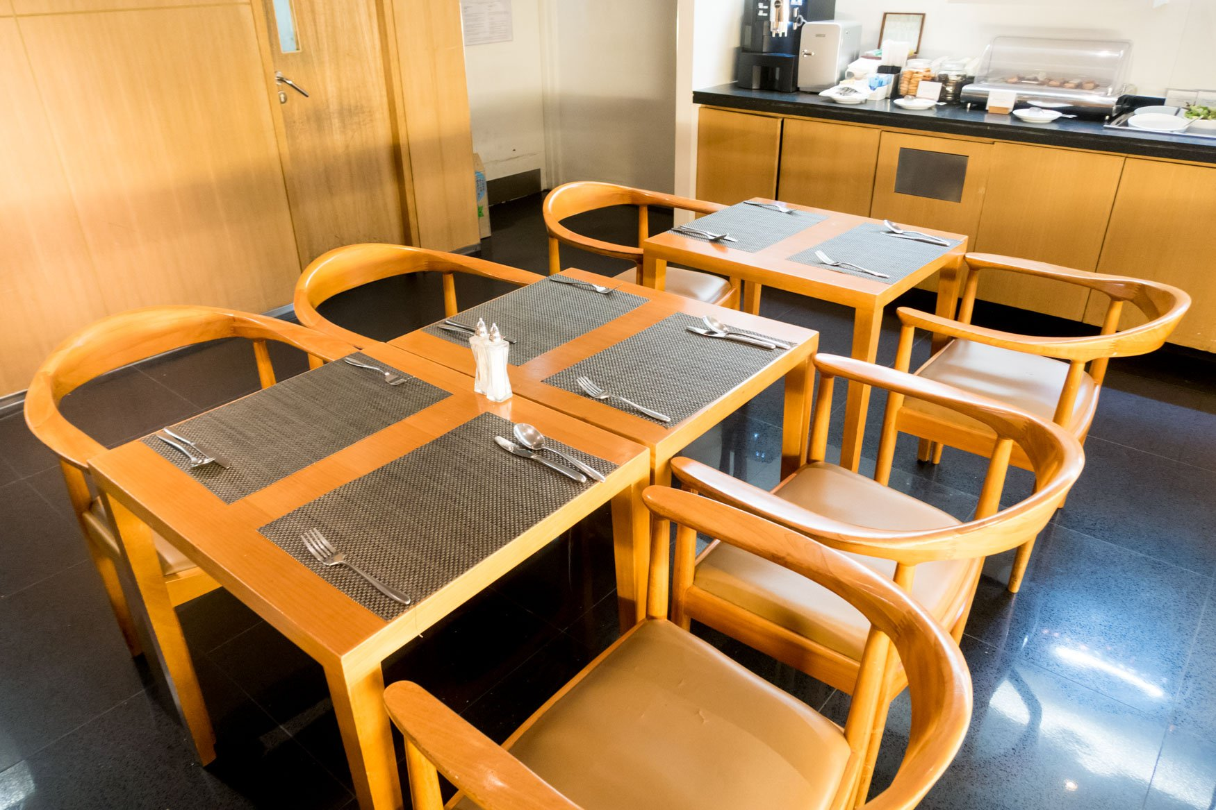 """Cathay Pacific """"The Arrival"""" Dining Area"""