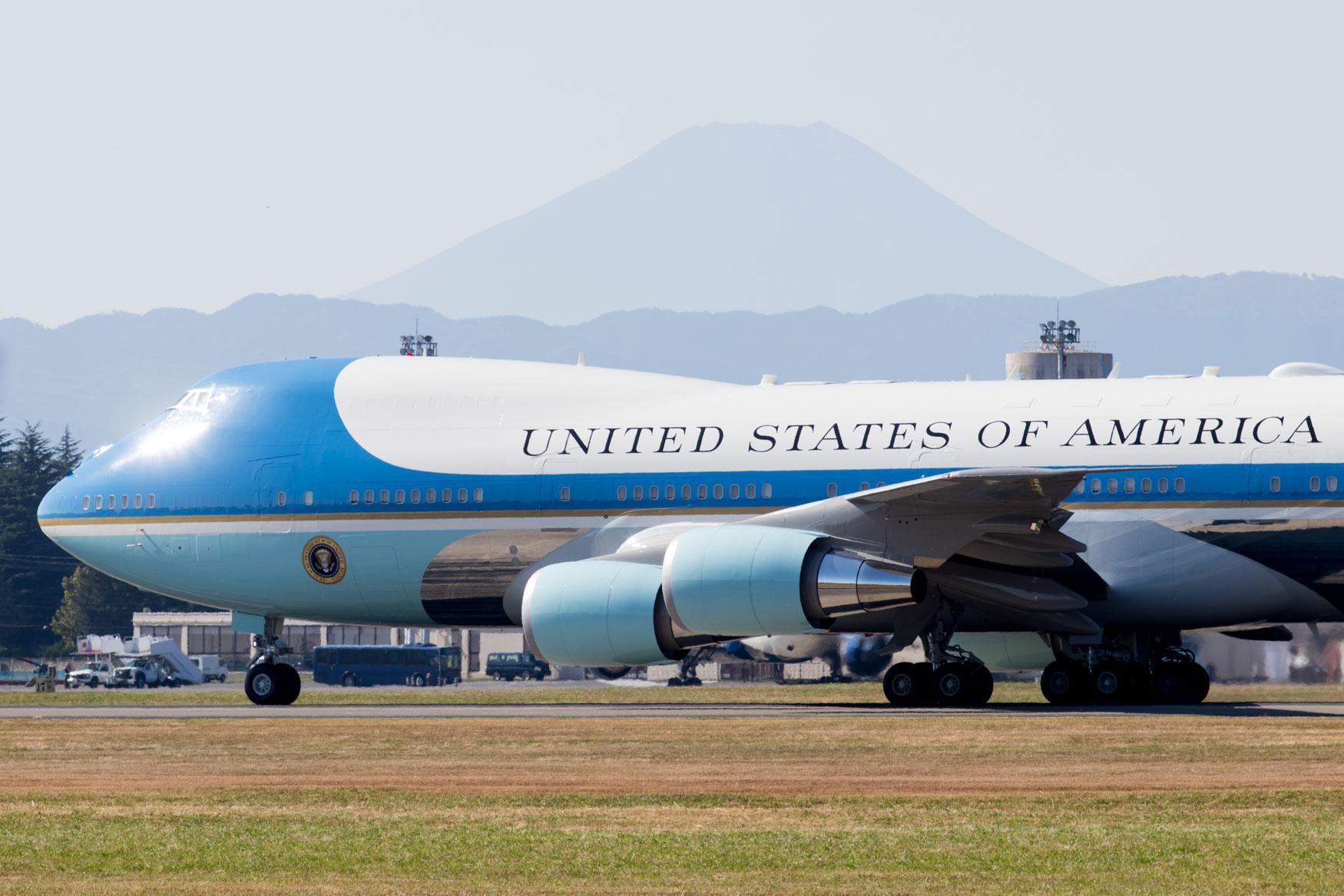 Air Force One Mt. Fuji