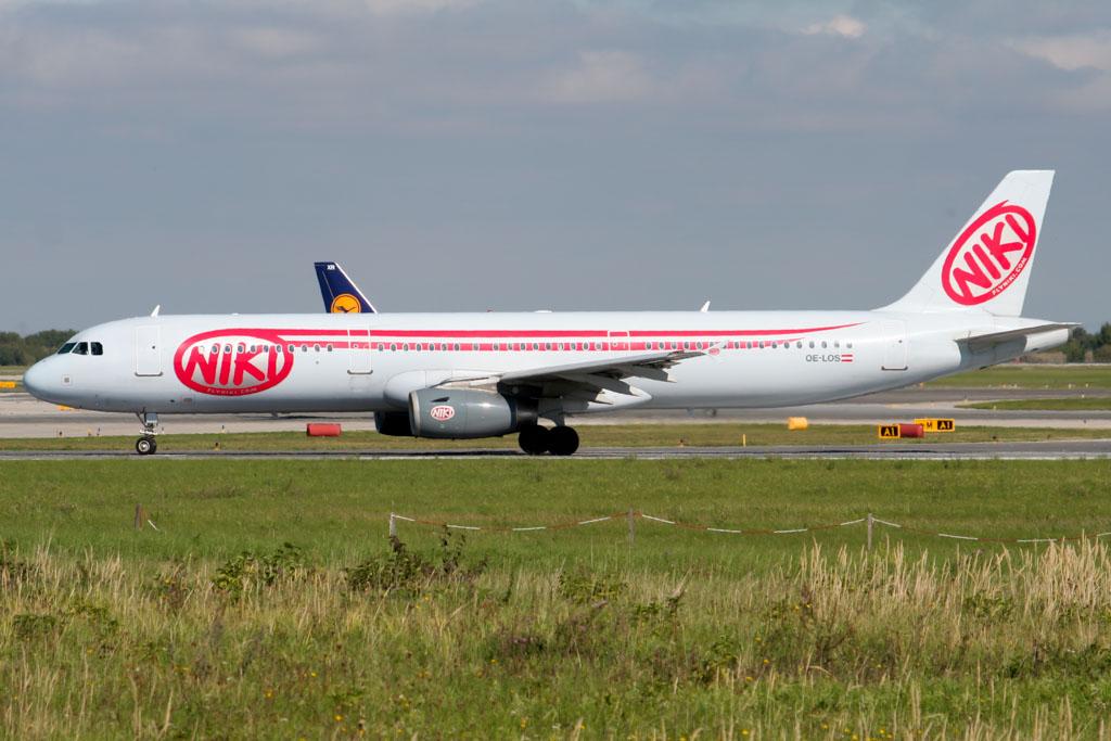 Niki A321 at Vienna