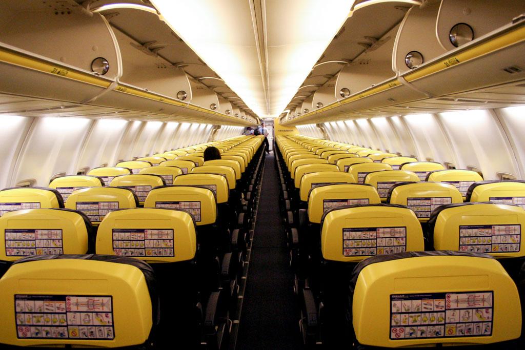 Ryanair 737-800 Cabin