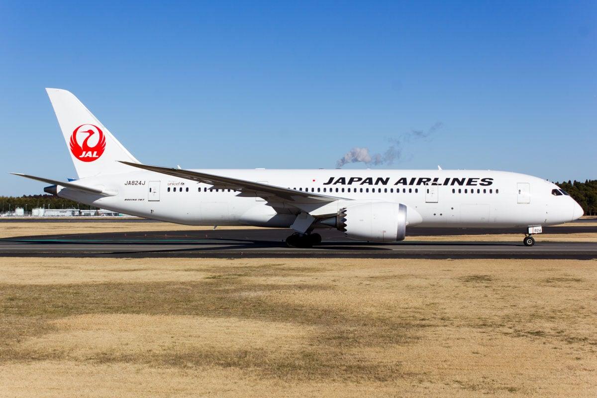 JAL Japan Airlines Boeing 787-8