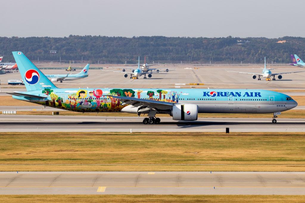 Korean Air Boeing 777-300