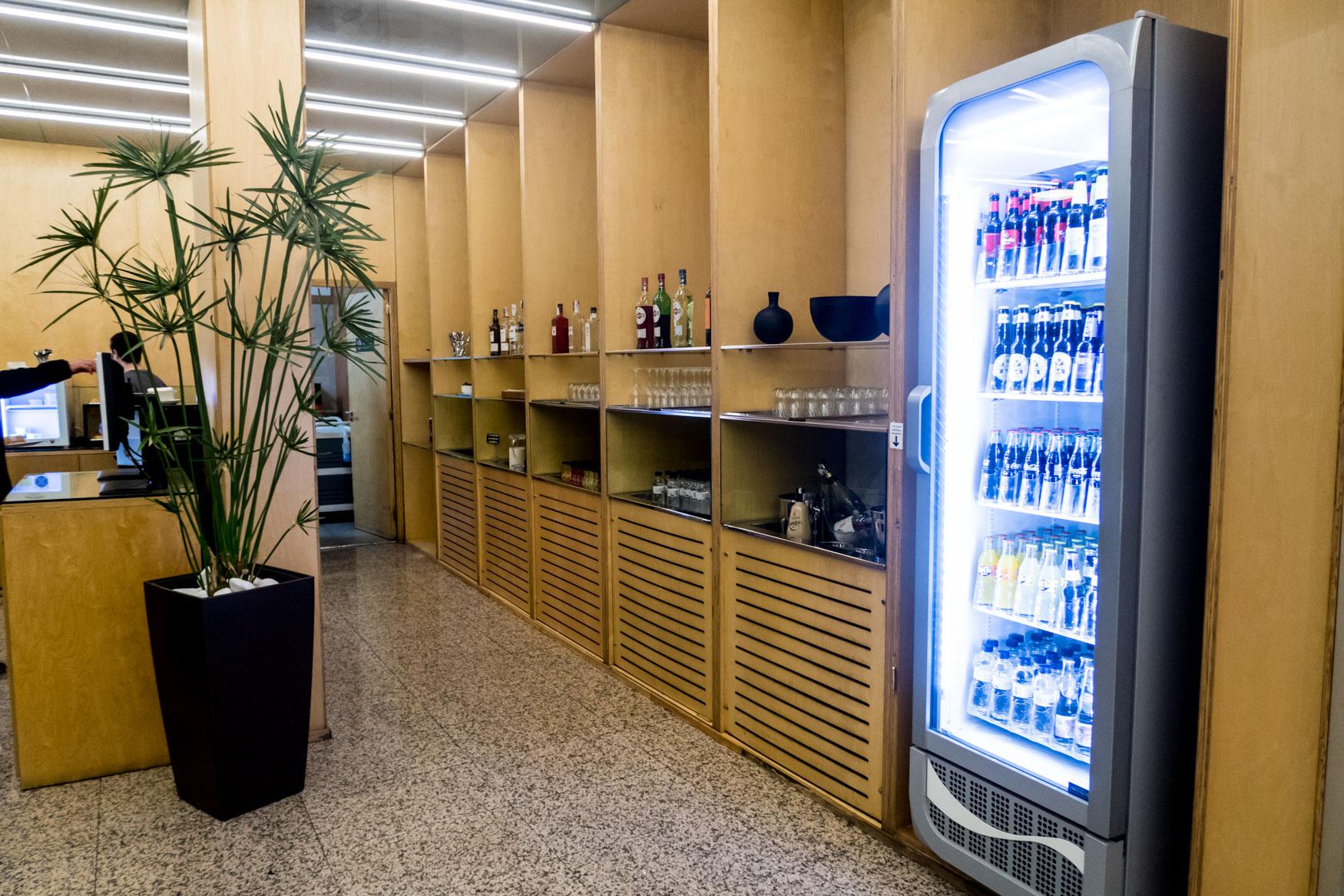 Buffet Sala VIP Canudas at Barcelona El Prat