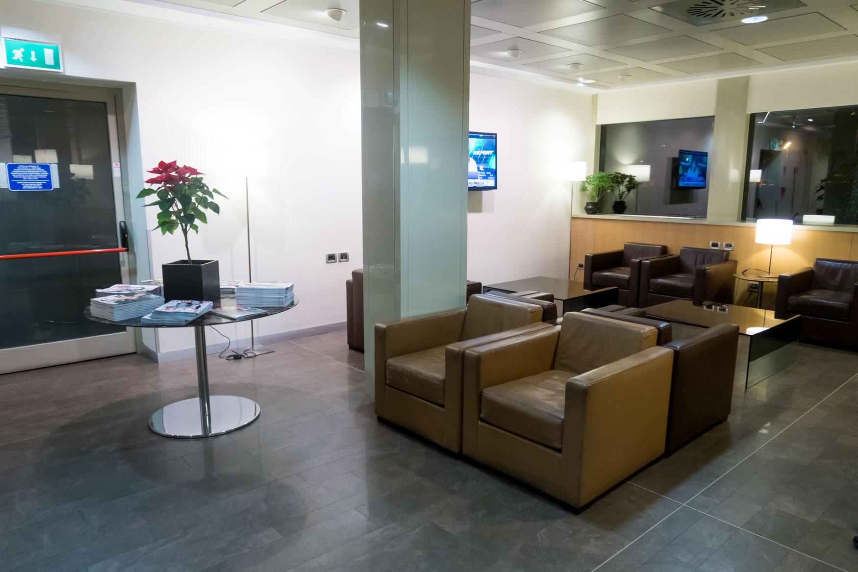 Club S.E.A. Sala Leonardo Milan Linate Main Seating Area