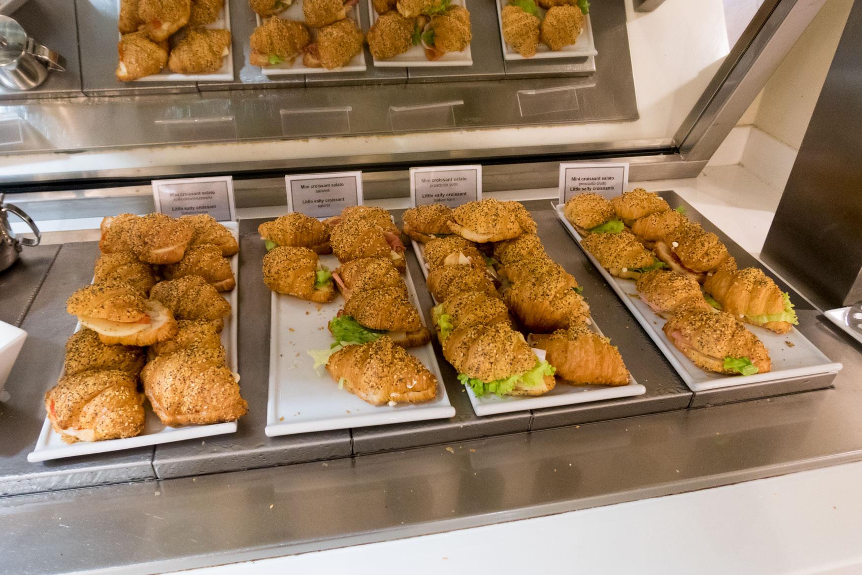 Club S.E.A. Sala Leonardo Milan Linate Sandwiches