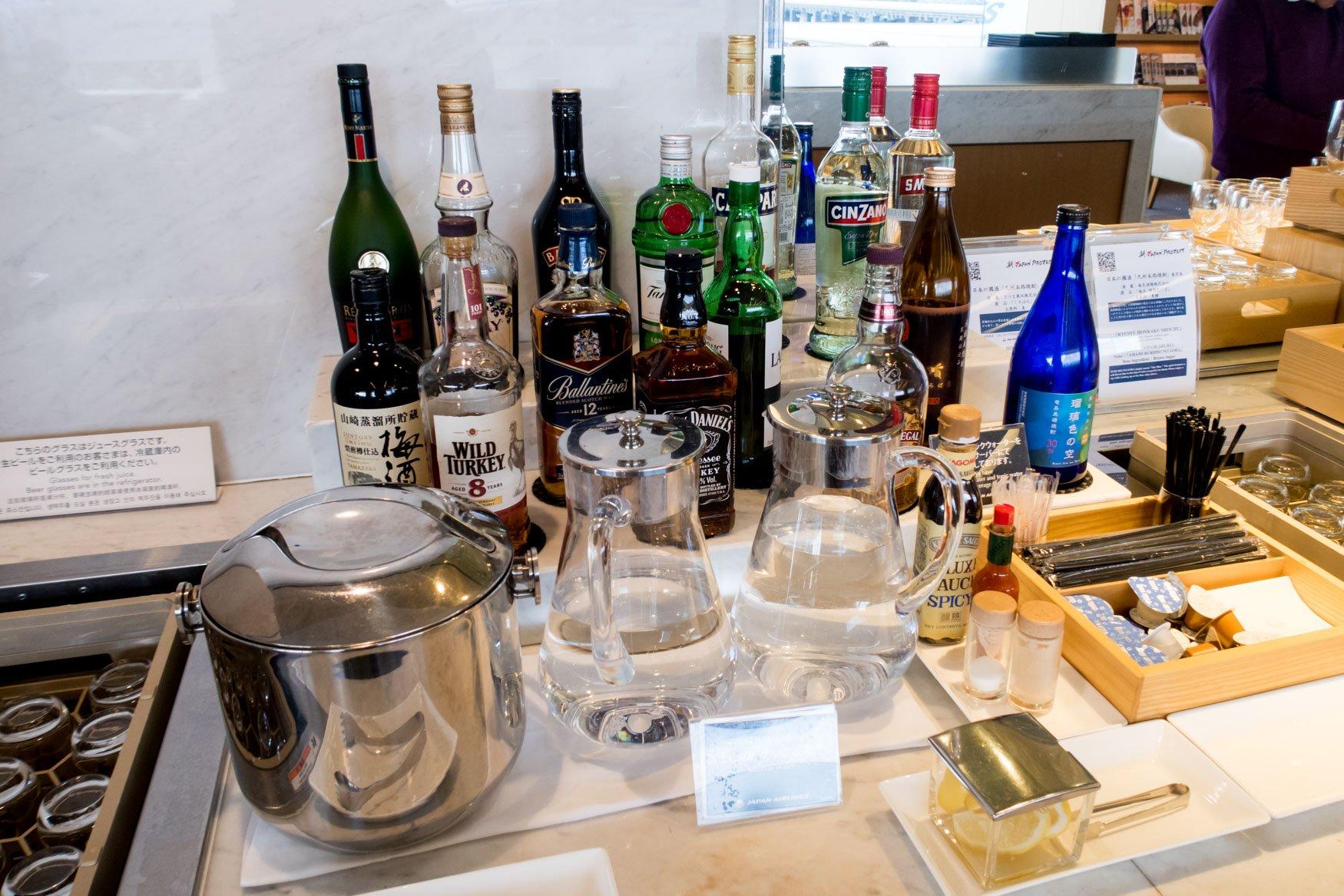 JAL Sakura Lounge Tokyo Narita Alcohol Selection