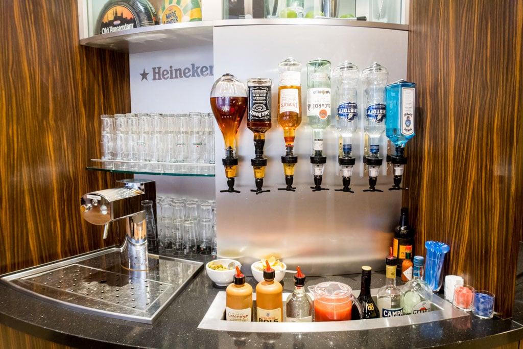 KLM Crown Lounge Schengen Amsterdam Alcohol
