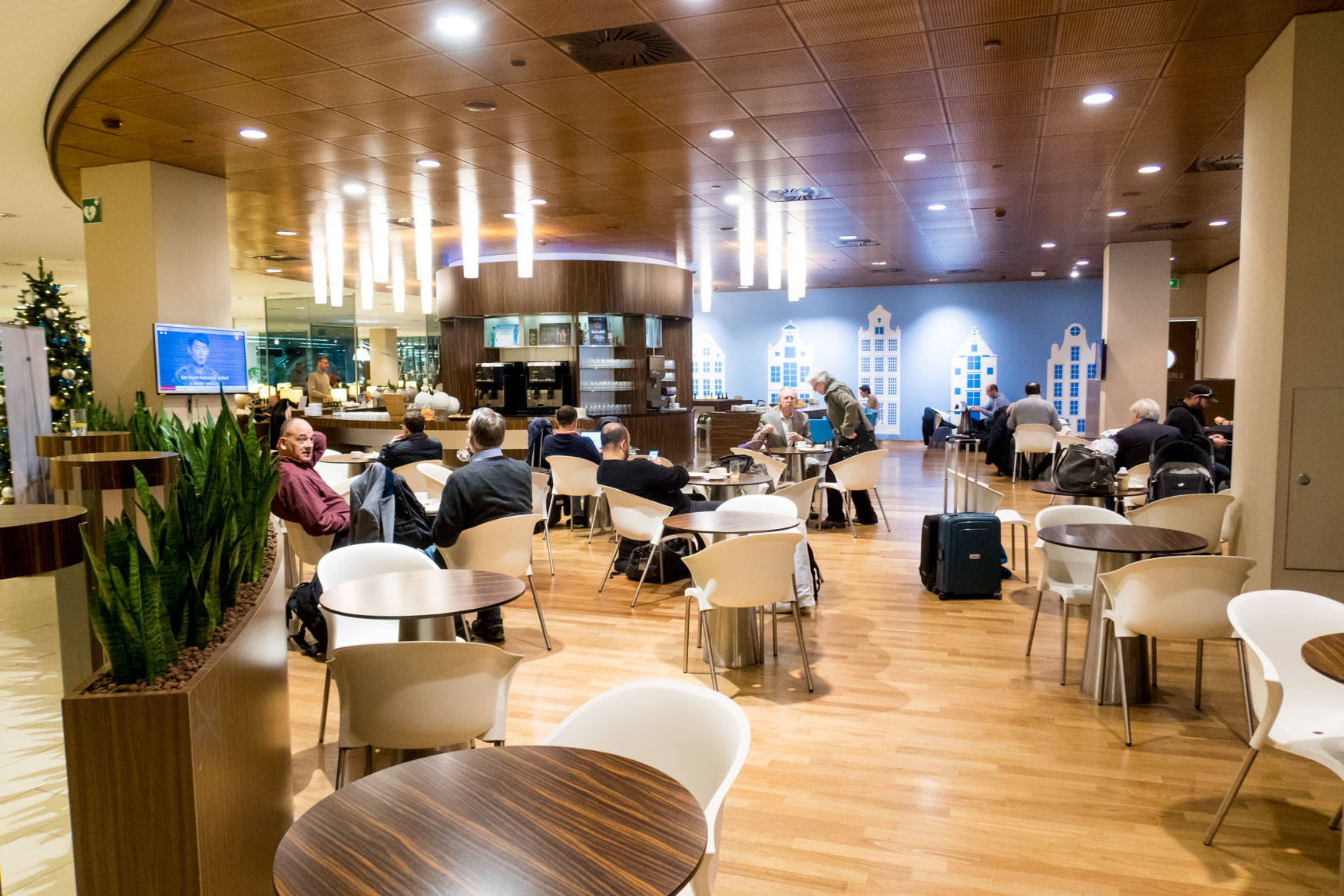KLM Crown Lounge Amsterdam Snack Area