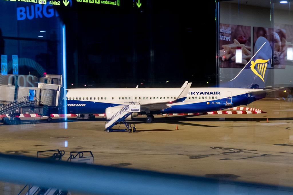 Ryanair 737-800 in Boeing House Colors