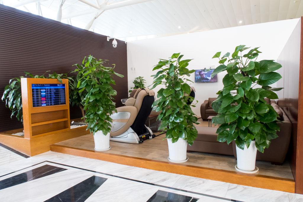 NIA Business Lounge Hanoi Massage Chairs