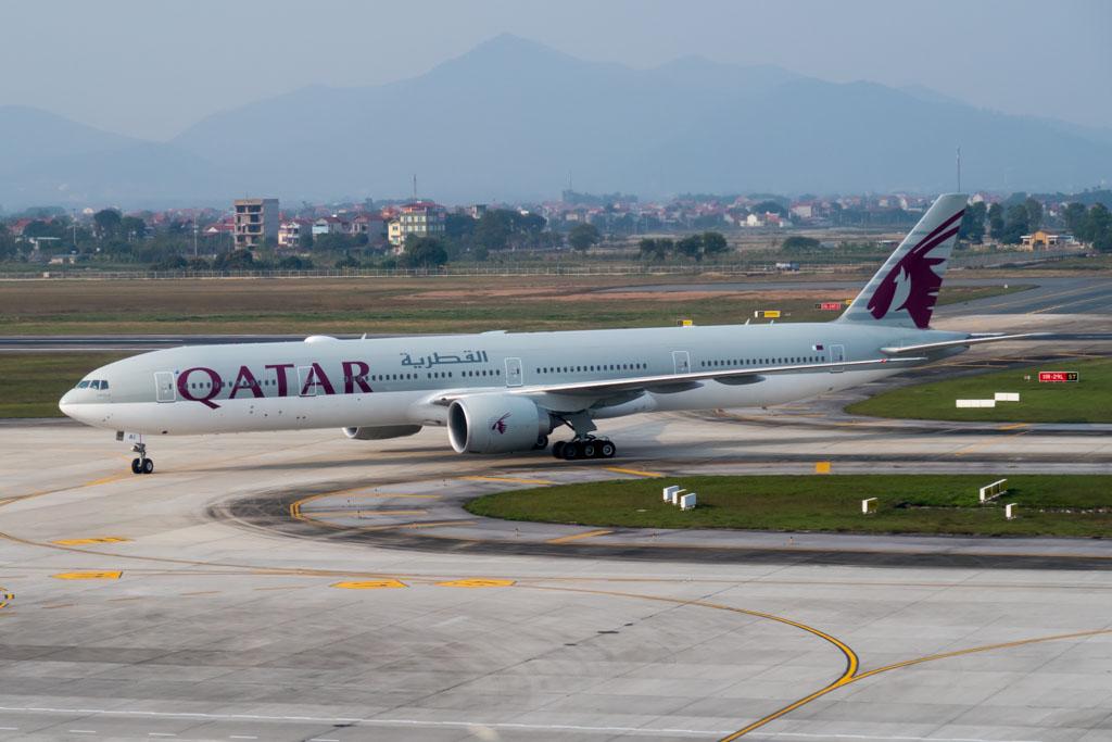 Qatar Airways 777-300ER at Hanoi Noi Bai Airport