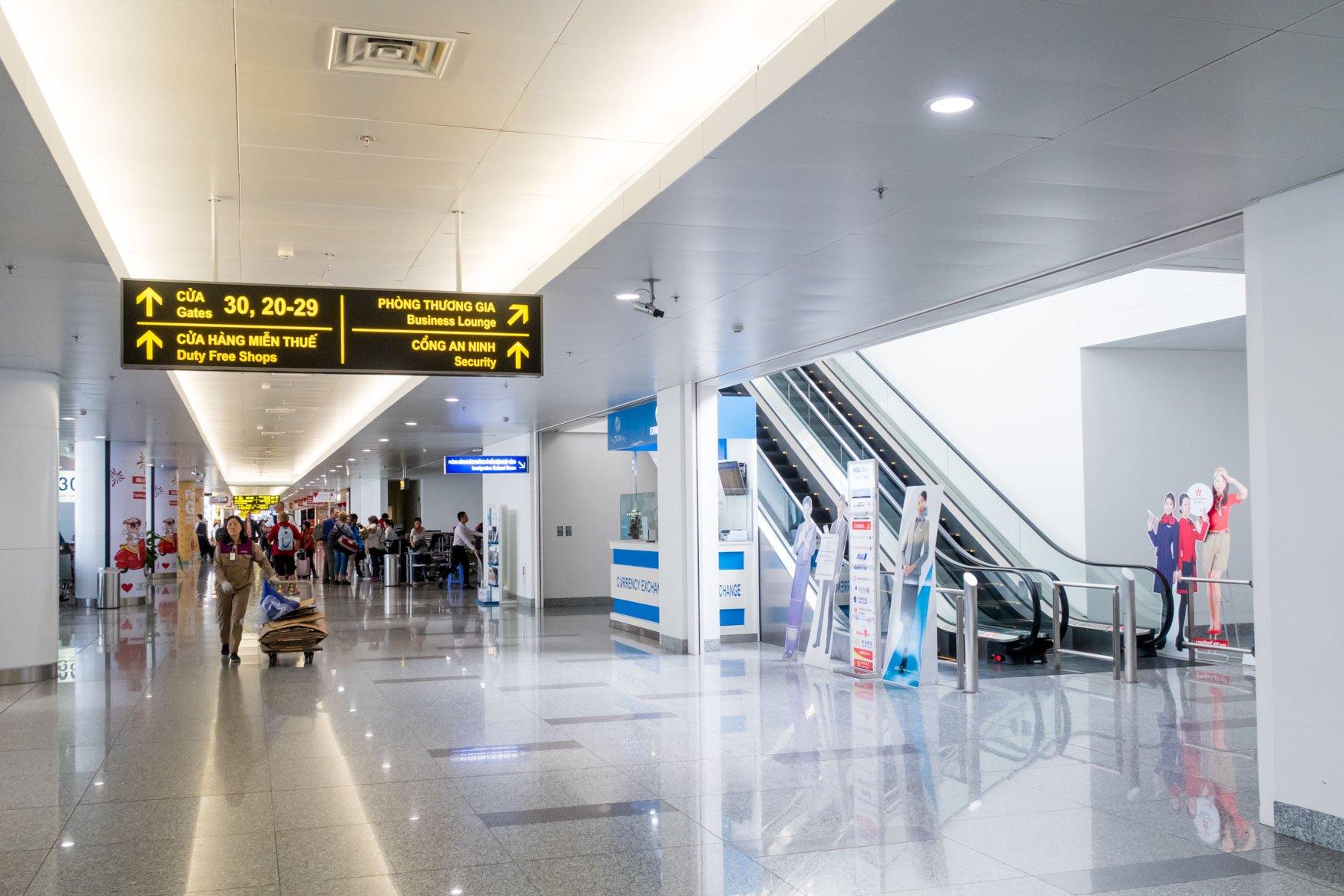 ACV Hanoi Airport Lounge Entrance