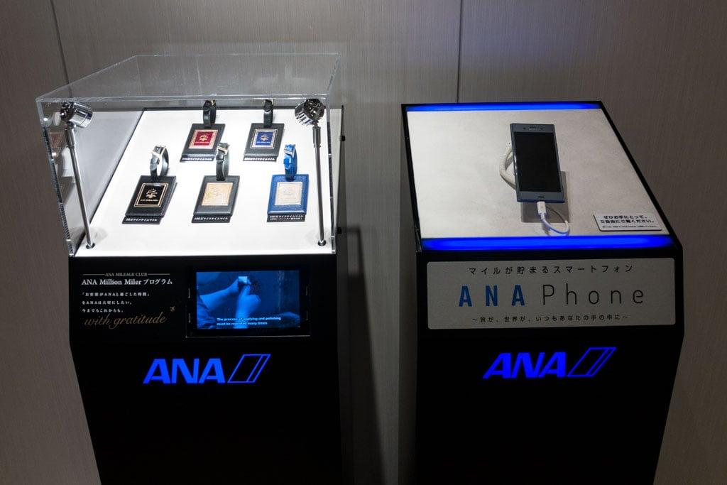 ANA Luggage Tags and Smartphone