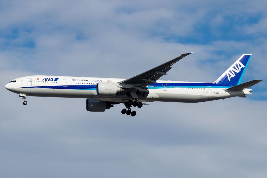 ANA 777-300ER Landing at JFK