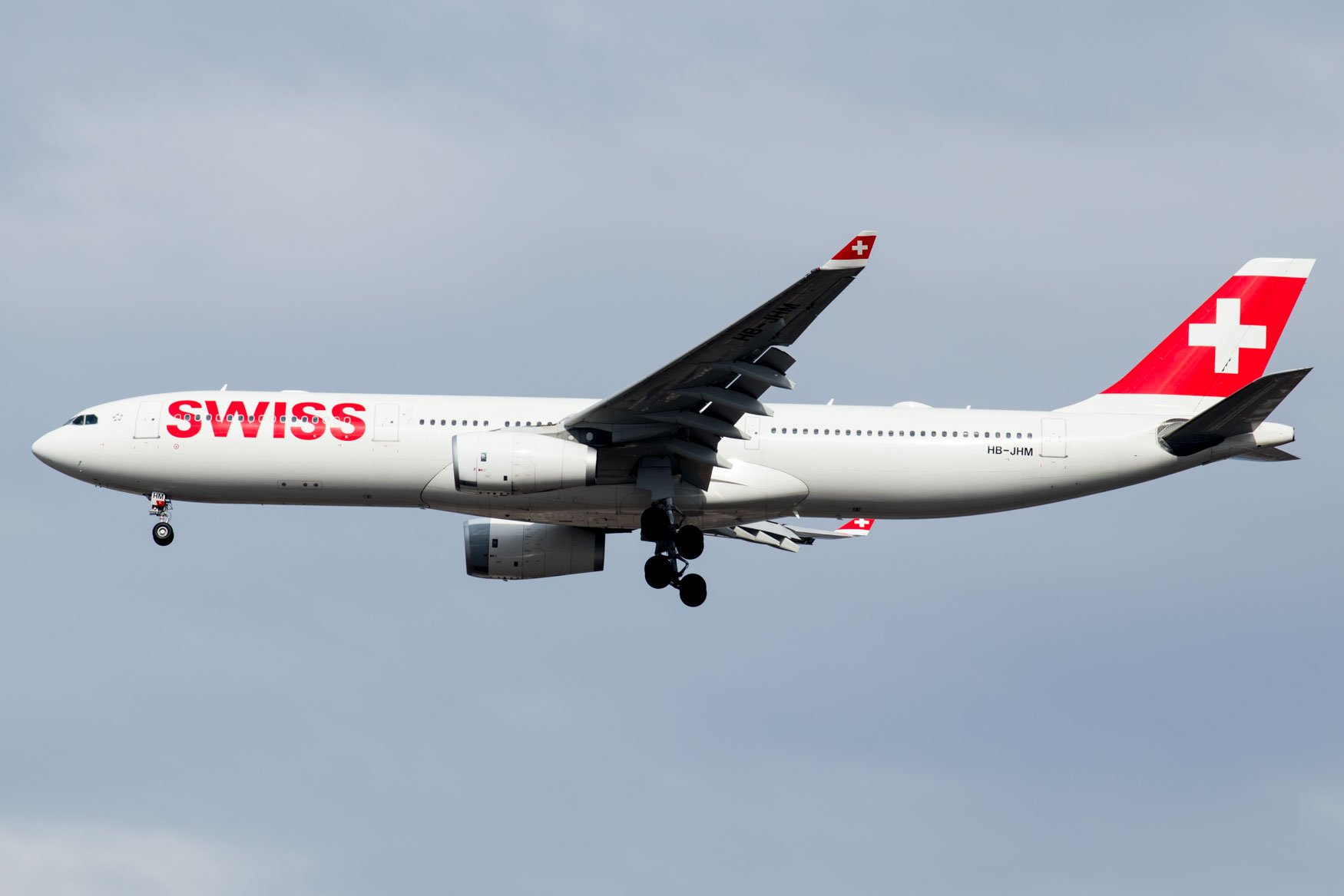 Swiss International Airlines A330 Landing at JFK