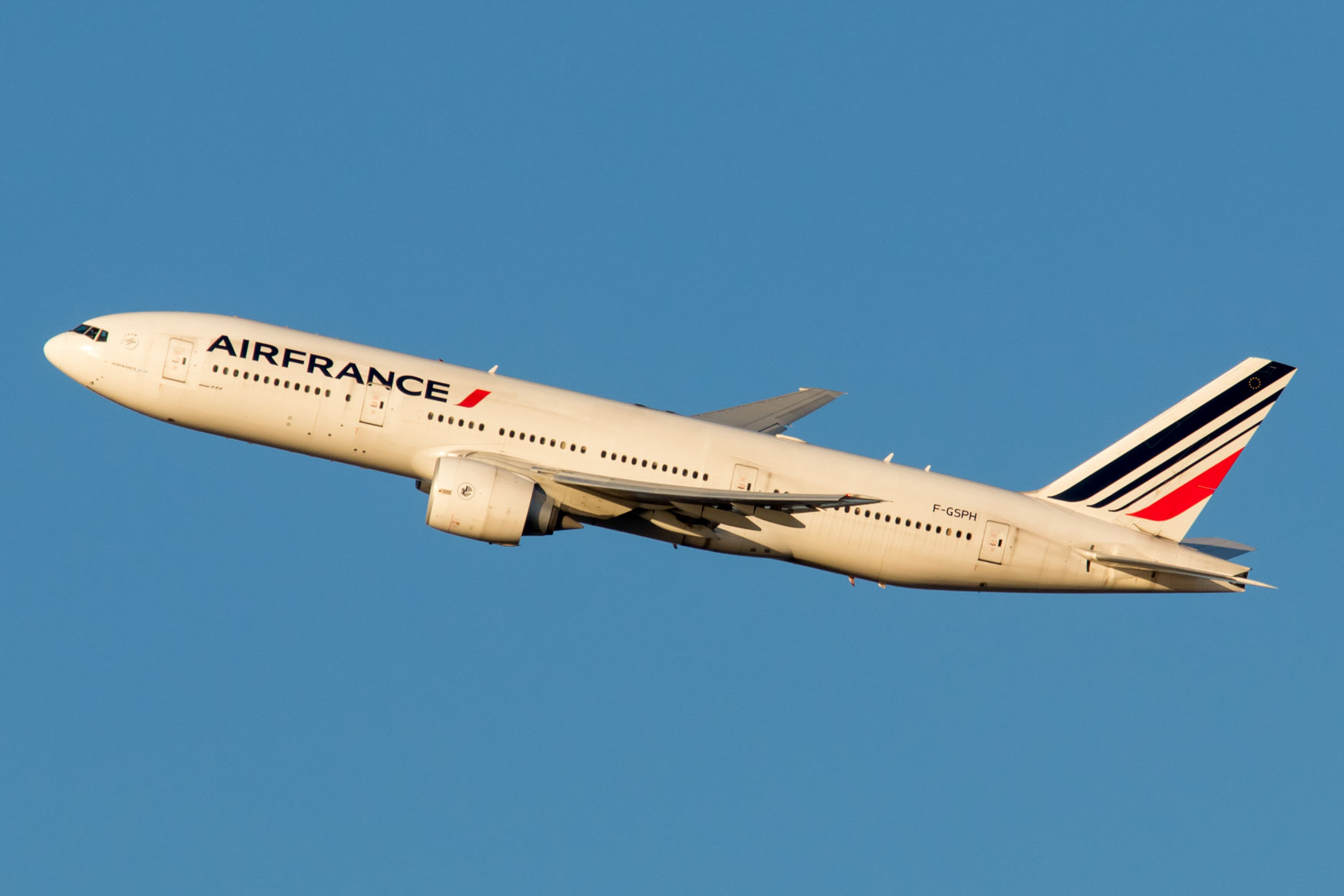 Air France 777-200ER Departing New York