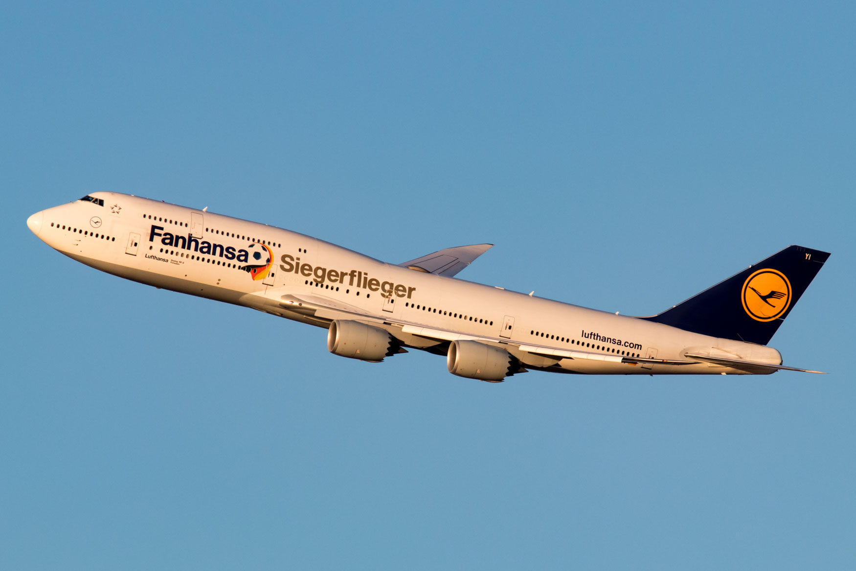 Lufthansa 747-8i Departing New York