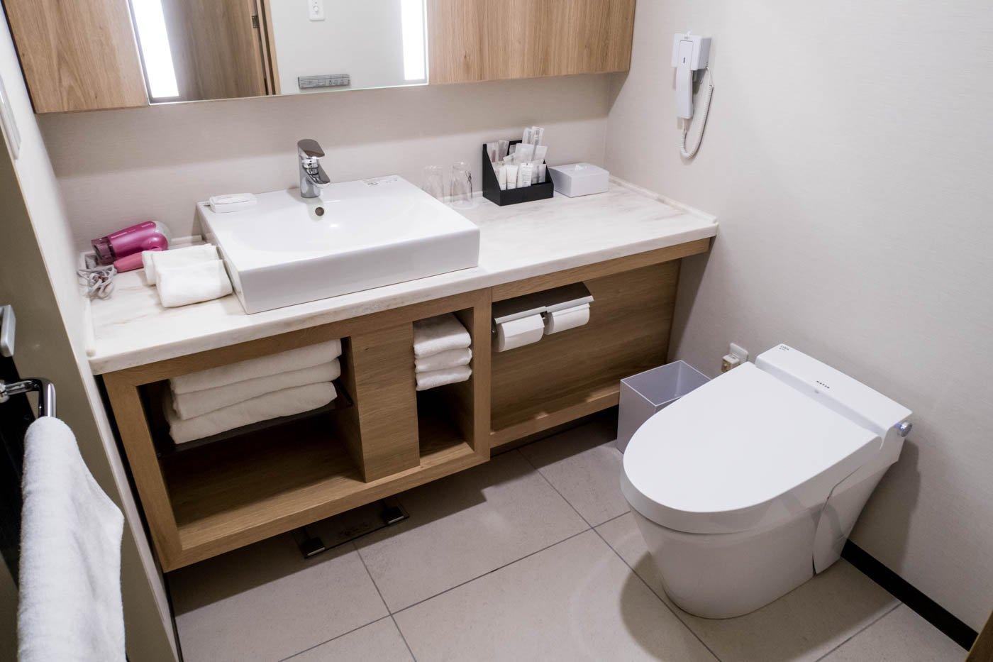 ANA Crowne Plaza Chitose Bathroom