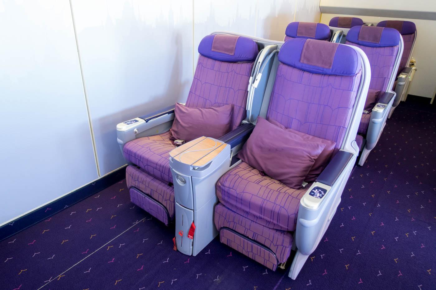 Thai Airways Boeing 747-400 Business Class Seats