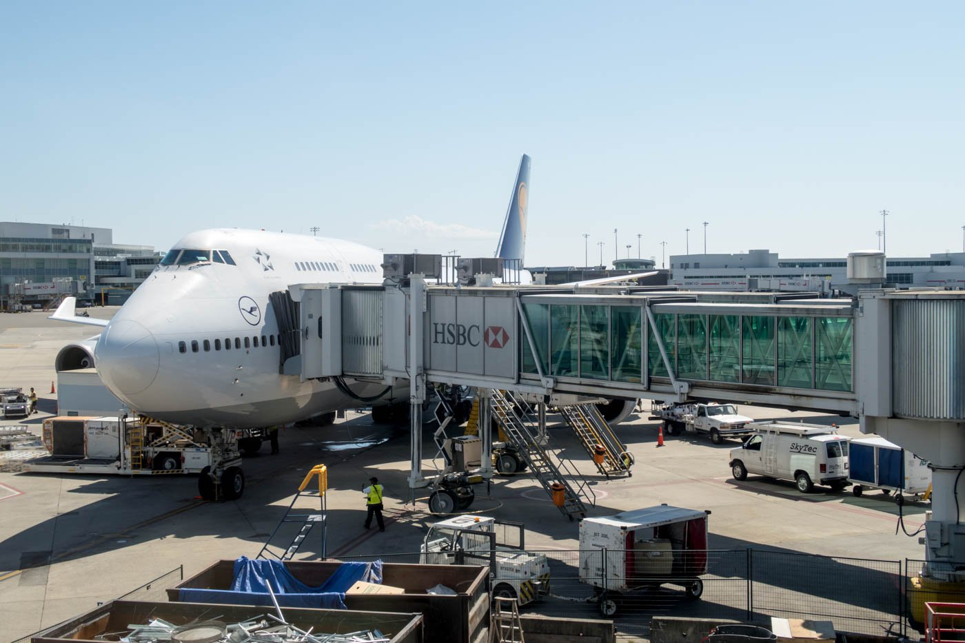 Lufthansa 747 in Vancouver