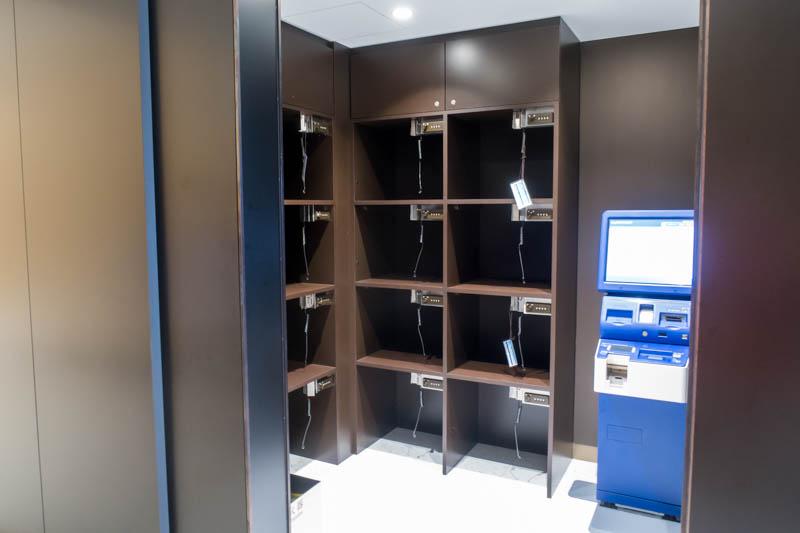 ANA Lounge Chitose Luggage Storage