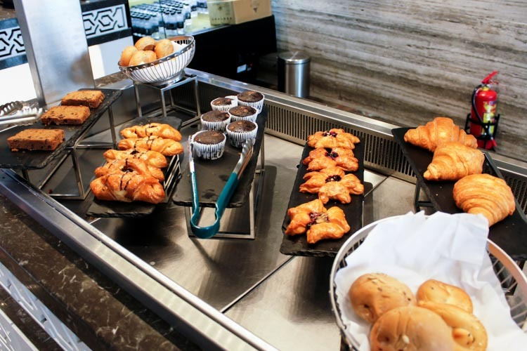 GVK Lounge Mumbai East Wing Pastries and Cakes