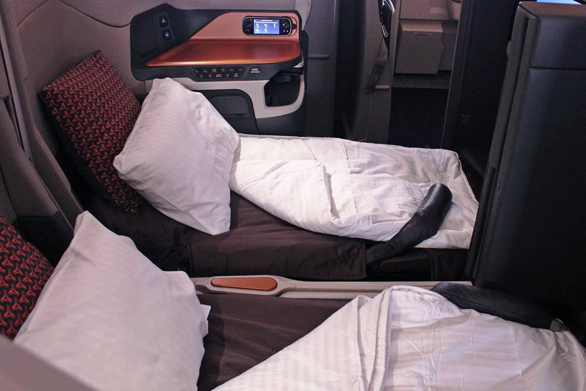 Singapore Airlines Flat-Bed Business Class