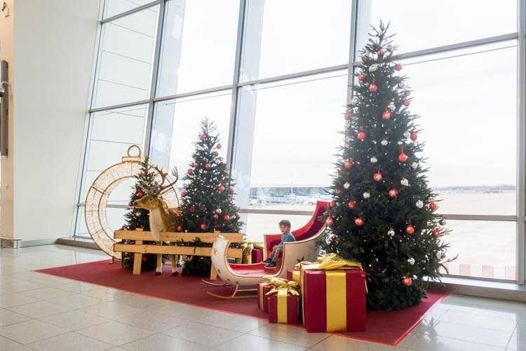 Brussels Airport Christmas Decorations