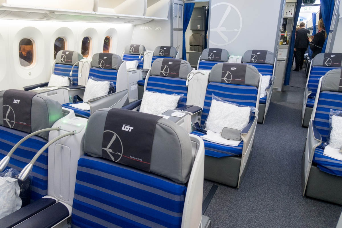 LOT Polish Airlines Boeing 787-8 Business Class