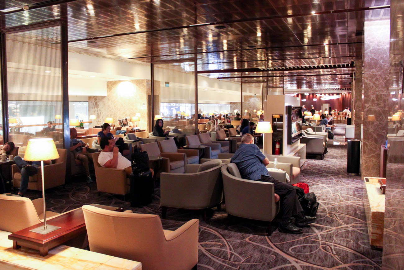 Singapore Airlines SilverKris Lounge Business Class Changi Airport