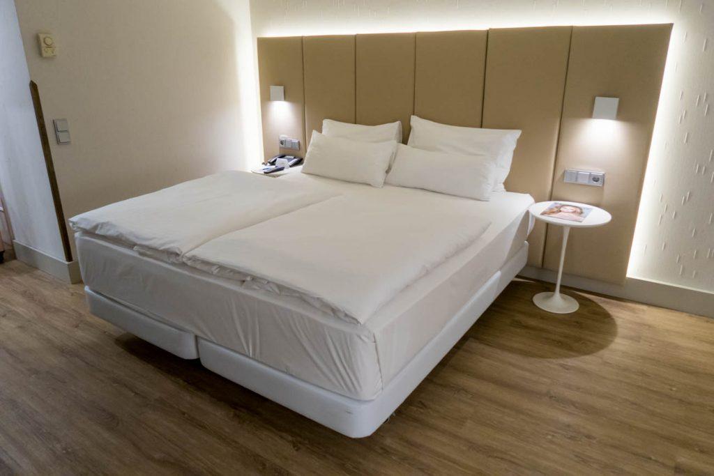 NH Hotel Vienna Airport Bed