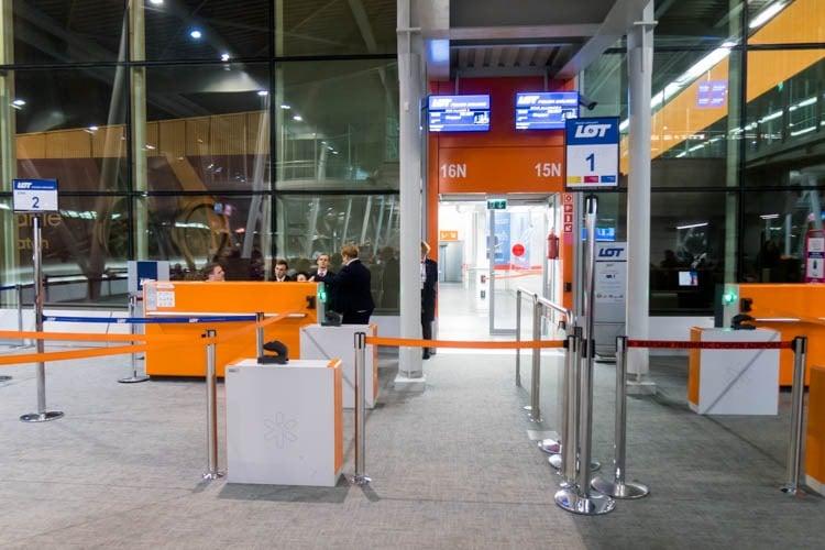 Warsaw Airport Gate 15N