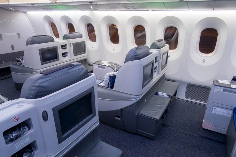 LOT Polish Airlines Boeing 787-8 Business Class Cabin