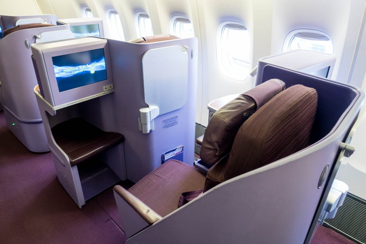 Staggered Business Class Seat