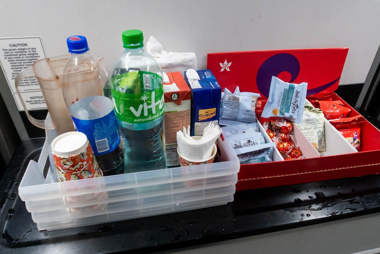 Hong Kong Airlines Economy Class In-Flight Drinks and Snacks
