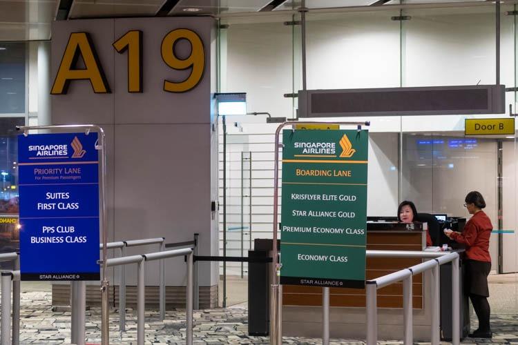 Singapore Airport Boarding Lanes