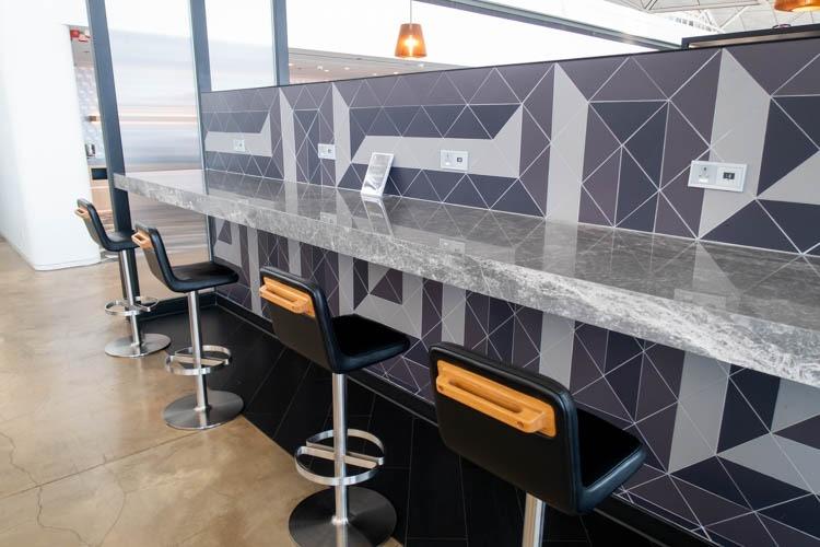 The Qantas Hong Kong Lounge Counter