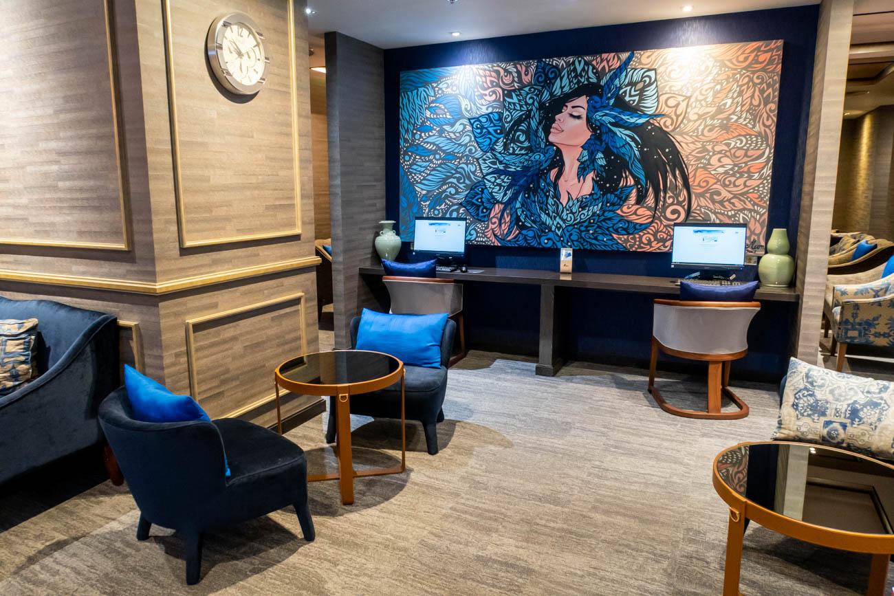 Bangkok Airways Blue Ribbon Club Lounge Business Center