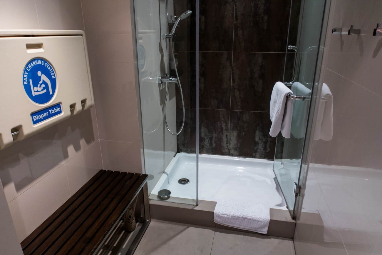 Airport Lounge Shower