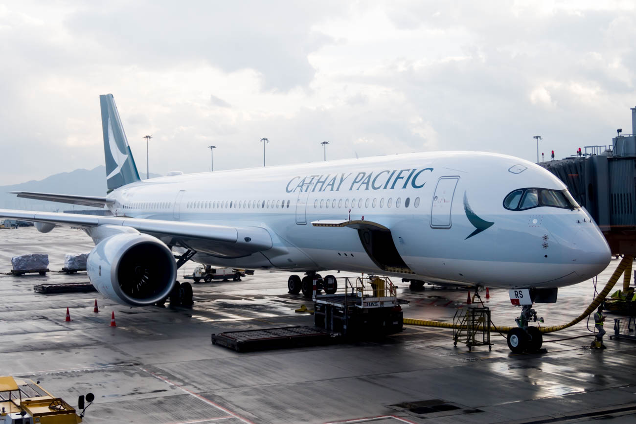 Cathay Pacific The Pier First Lounge Apron Views