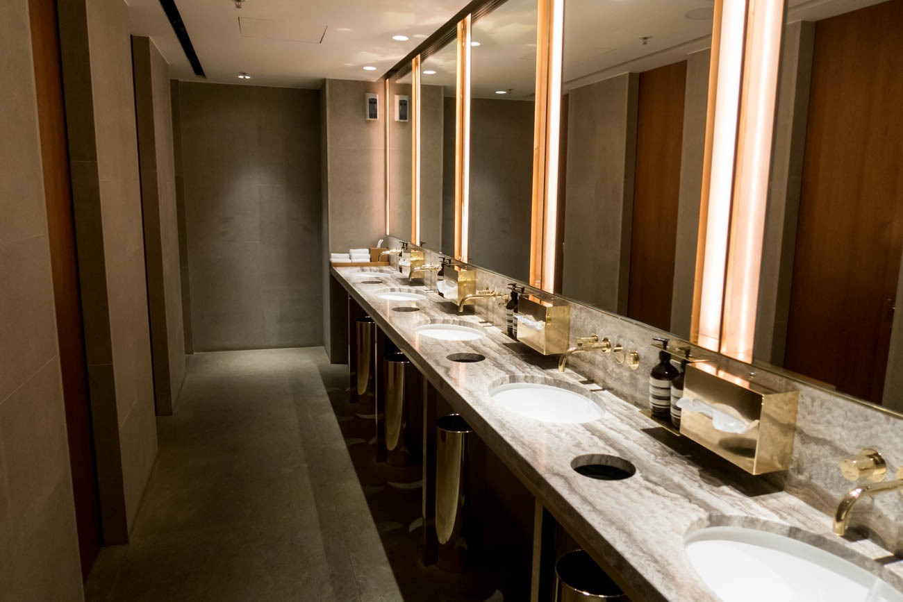 Cathay Pacific The Pier First Lounge The Washrooms