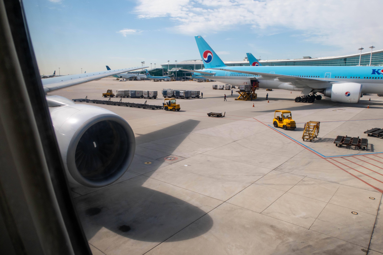 Korean Air 777-300