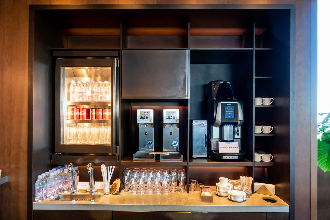 Cathay Pacific Lounge Tokyo Haneda Drink Station