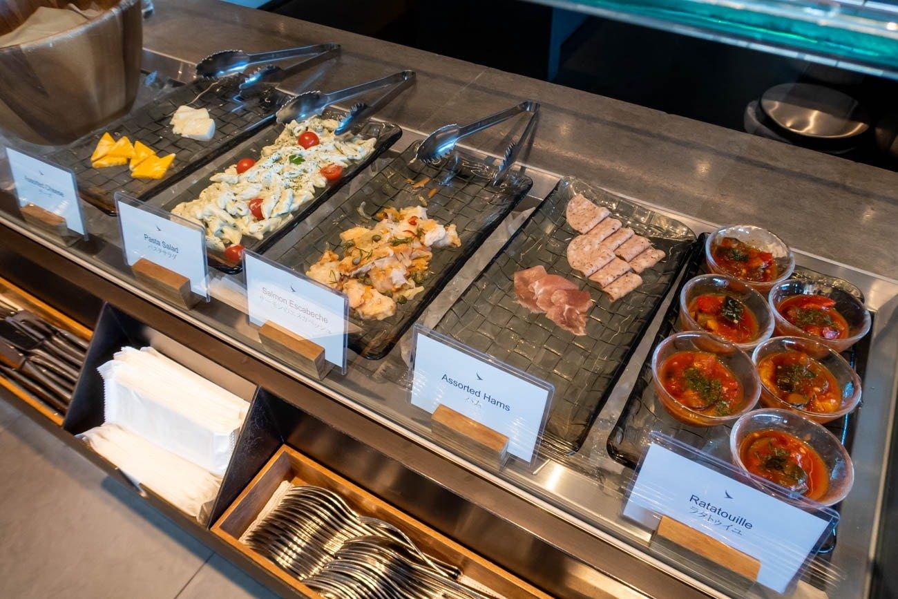 Cathay Pacific Lounge Tokyo Haneda Buffet