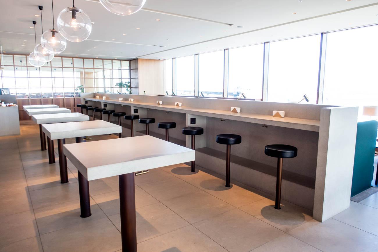 Cathay Pacific Lounge Tokyo Haneda