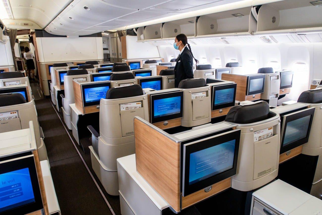 Swiss 777-300ER Business Class Cabin